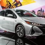 Toyota показала новый Prius для российского рынка.