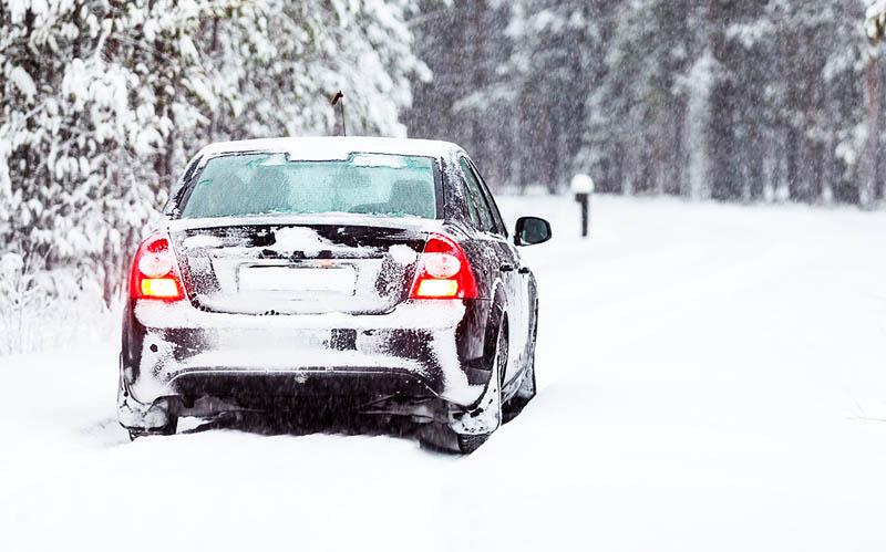 Что нужно иметь в машине зимой? фото 1